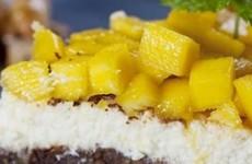 Cheesecake preparado com manga fresca