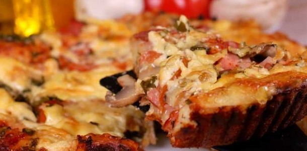 38-receita-simples-de-bolo-de-mandioquinha-com-salaminho