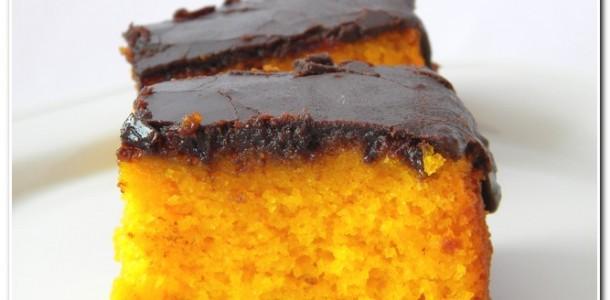 Bolo-de-cenoura-com-calda-de-chocolate
