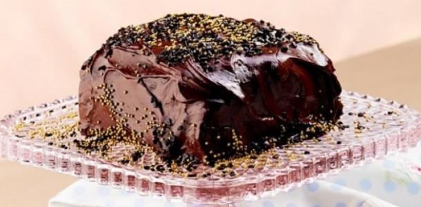 receita-bolo-de-chocolate-750x350