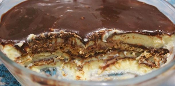 pave-de-creme-com-chocolate-meio-amargo-01-610x300
