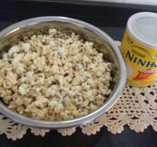Receita-de-Pipoca-de-Leite-Ninho-320x320