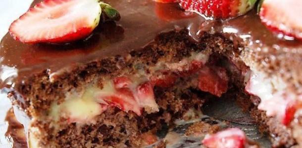 Receita-de-Bolo-de-Mousse-de-Chocolate-com-Morango
