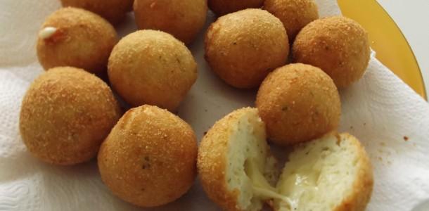 img_bolinho_de_arroz_recheado_com_queijo_5487_orig