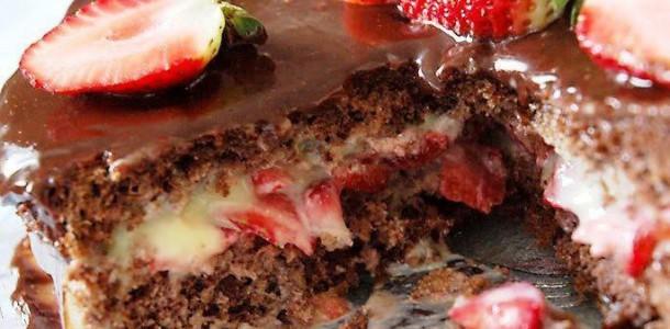 bolo-de-mousse-de-chocolate-com-morango